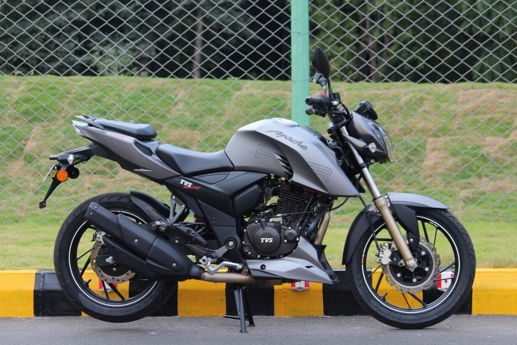 TVS Motors Launches TVS Apache RTR 200 4V - InfernoWheels