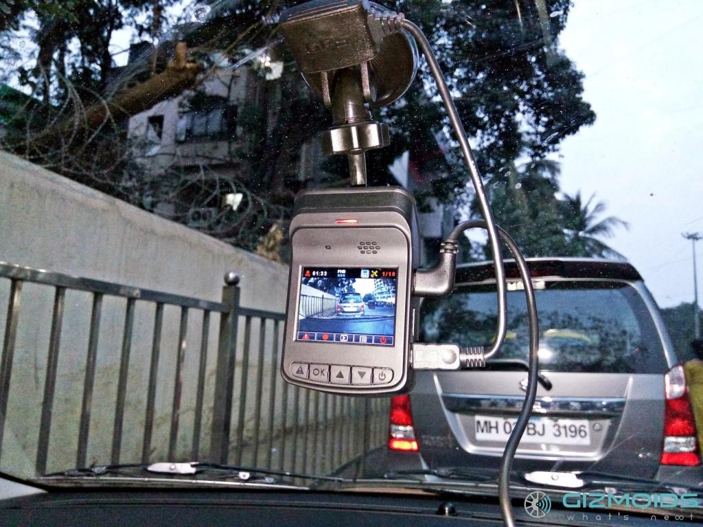 Asus RECO Classic dash cam mounted (2)