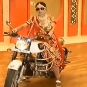 VIDEO: Bride enters her wedding on a Royal Enfield Bullet 350