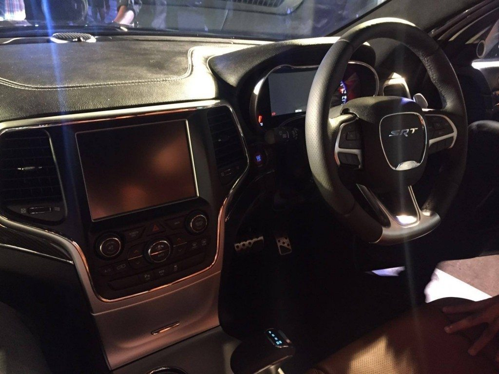 Jeep Grand Cherokee SRT interior