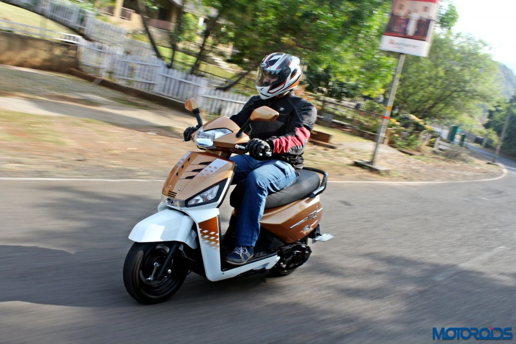 Mahindra Gusto 125 Review - Action Shots (2)