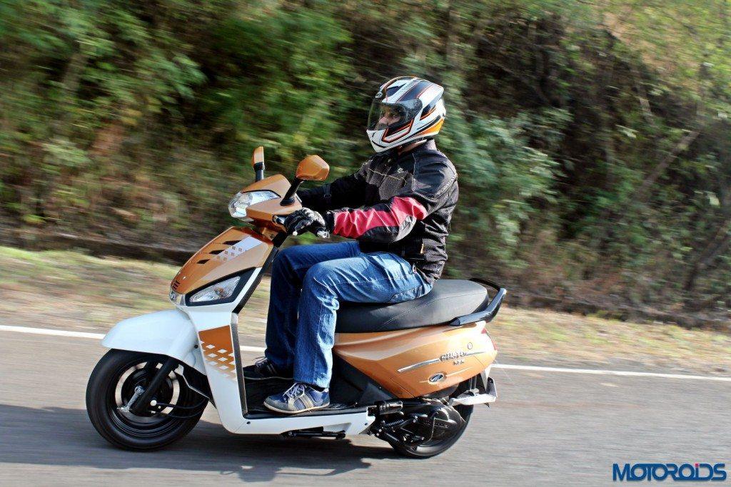 Mahindra Gusto 125 Review - Action Shots (7)