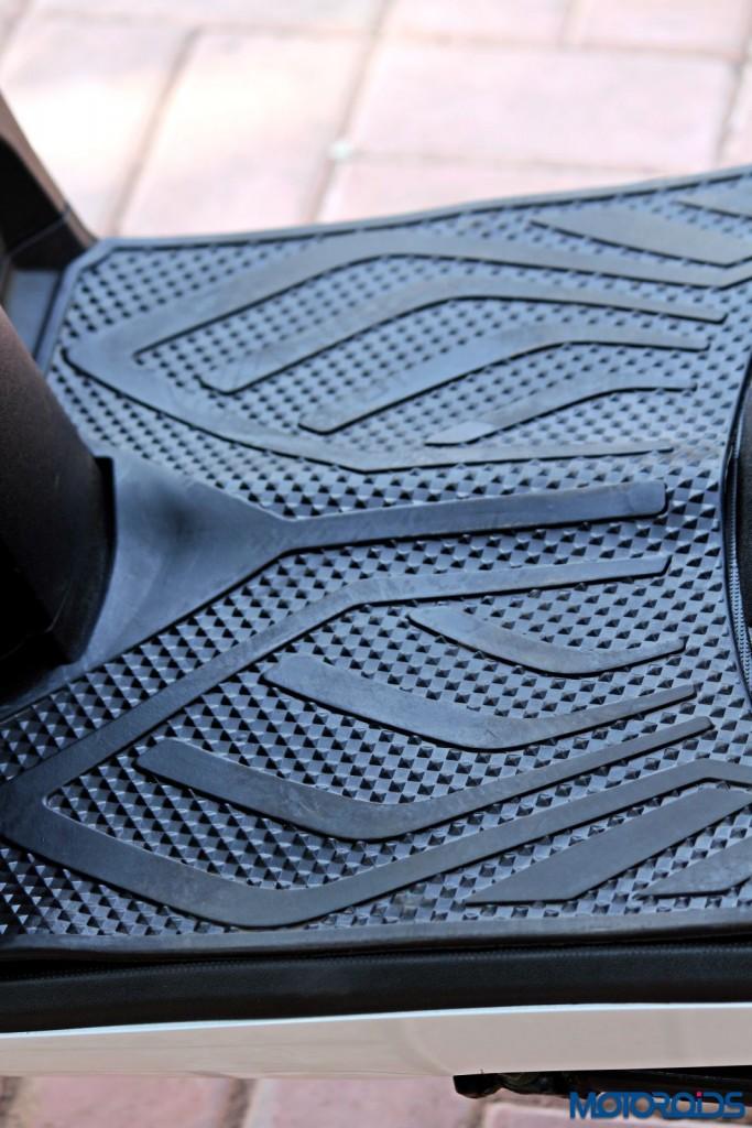 Mahindra Gusto 125 Review - Details (35)