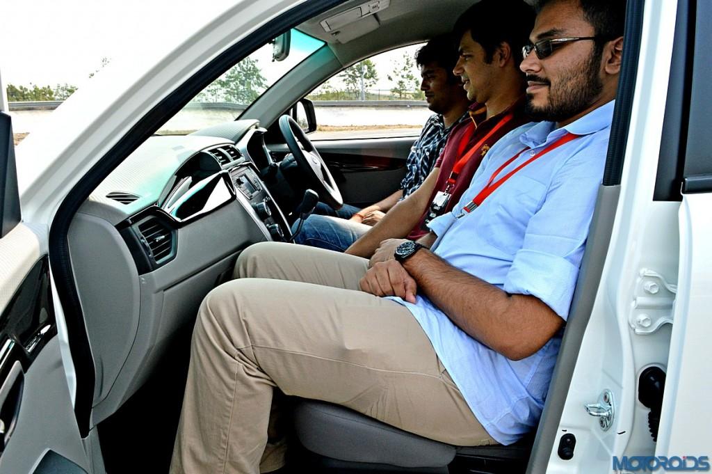 Mahindra KUV100 Front Seat (2)