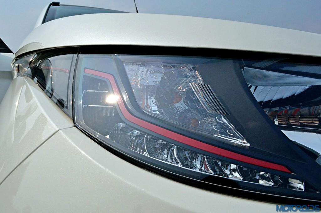 Mahindra KUV100 Headlamp (1)