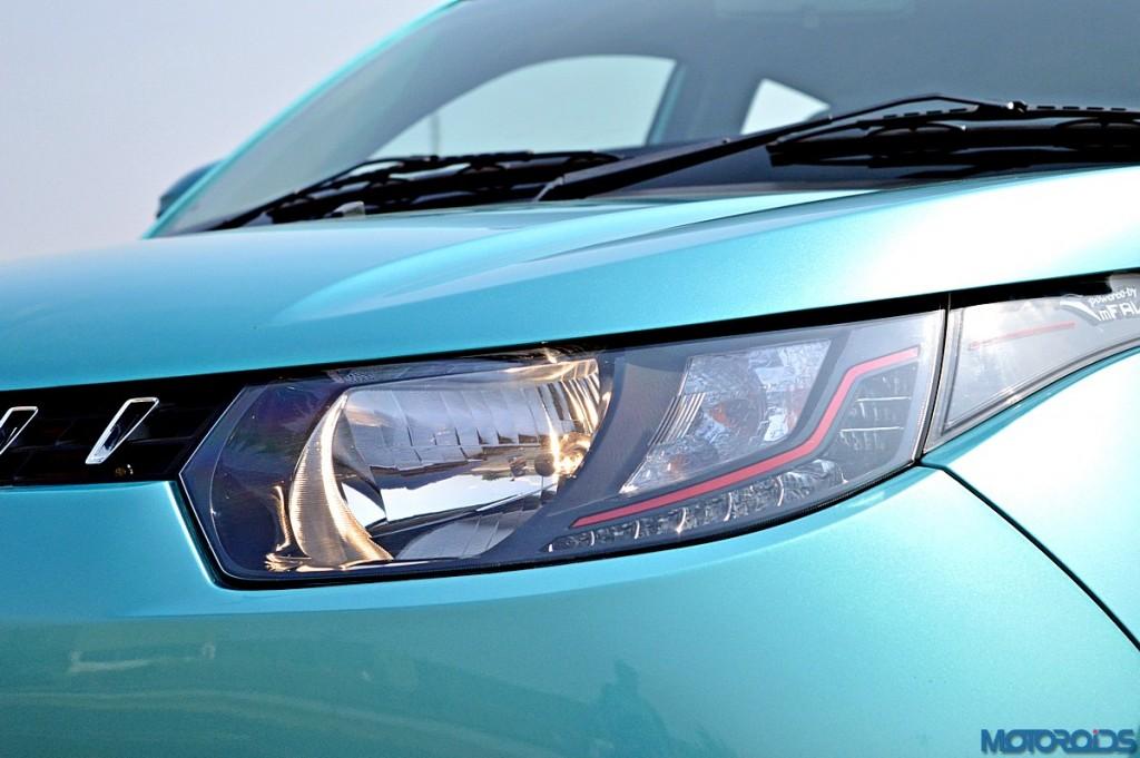 Mahindra KUV100 Headlamp (2)