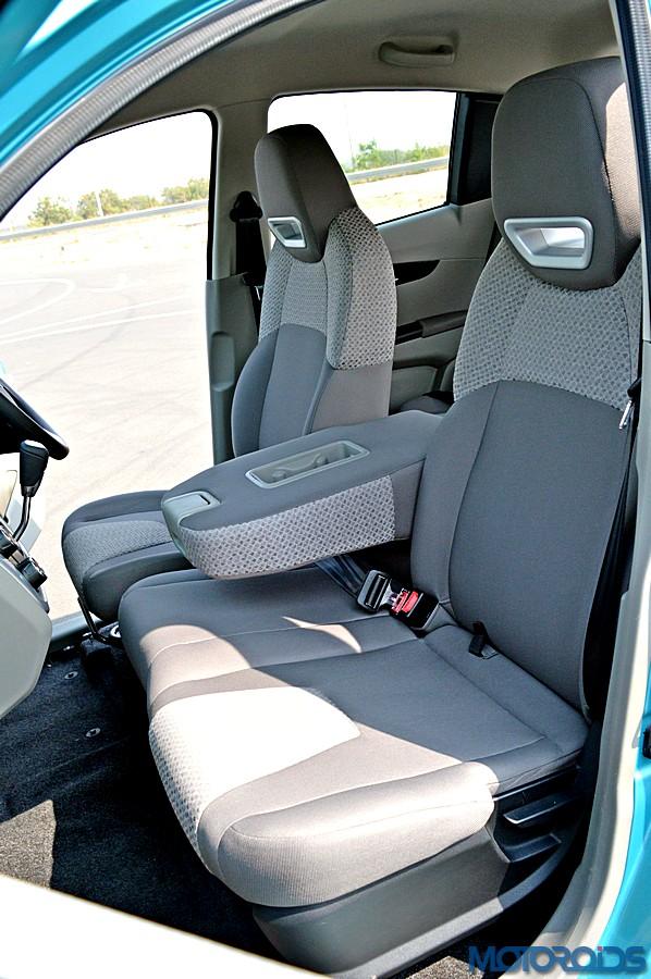 Mahindra KUV100 Seats (1)