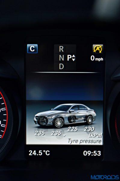 Mercedes-AMG C 63 S Driver information display (2)