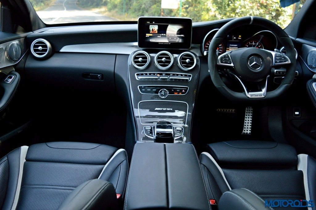 Mercedes-AMG C 63 S cabin view (142)