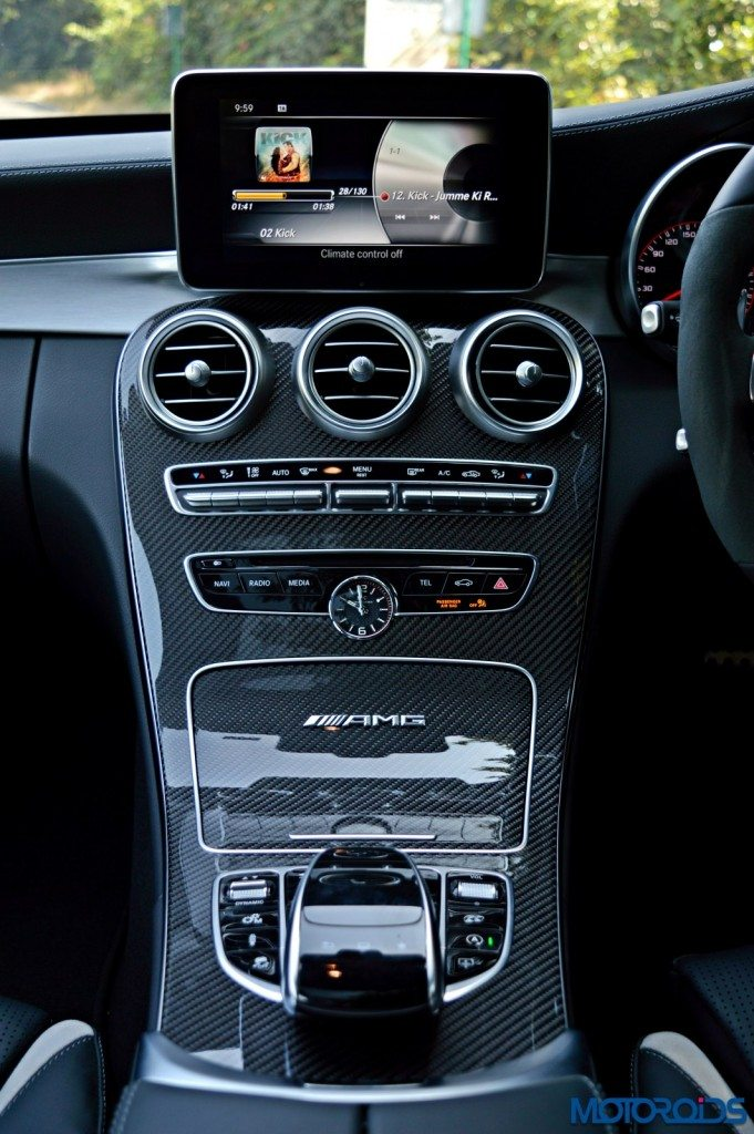 Mercedes-AMG C 63 S center console(142)