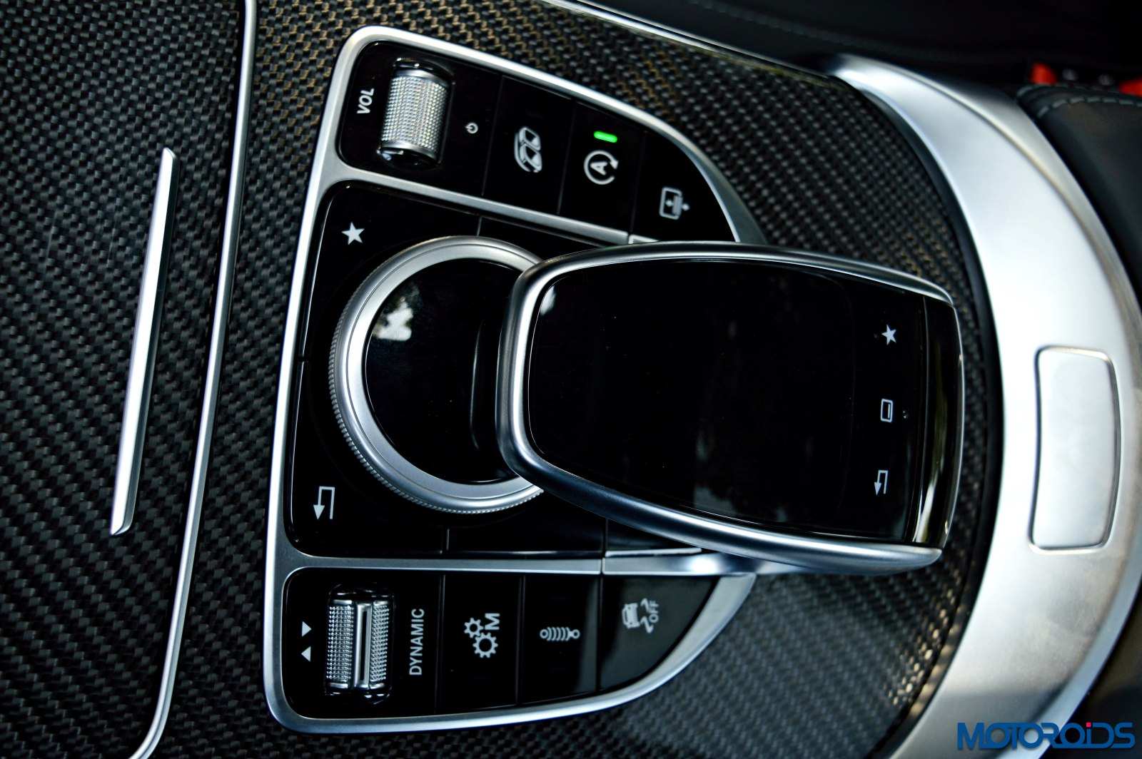 Mercedes-AMG C 63 S touchpad and COMAND center controls(175)