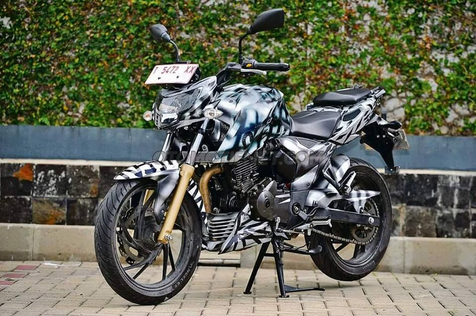The Upcoming Tvs Apache Rtr 200 4v Spotted This Time In