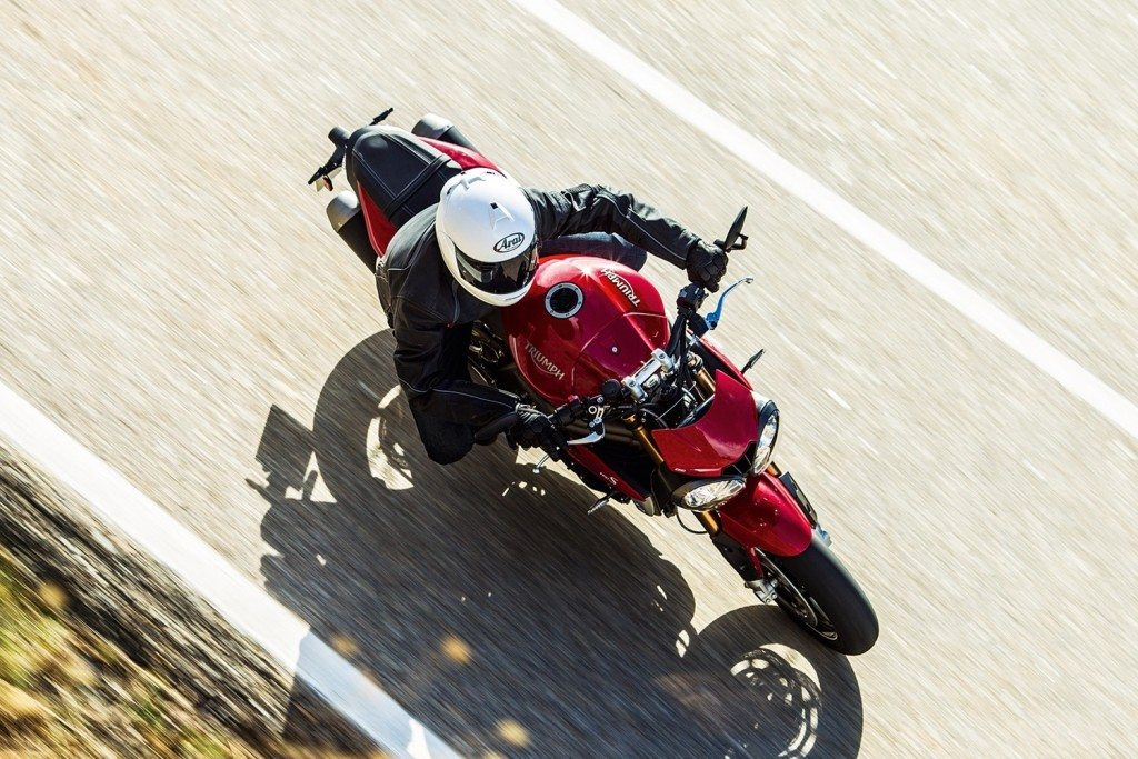 Triumph Speed Triple S and R (7)