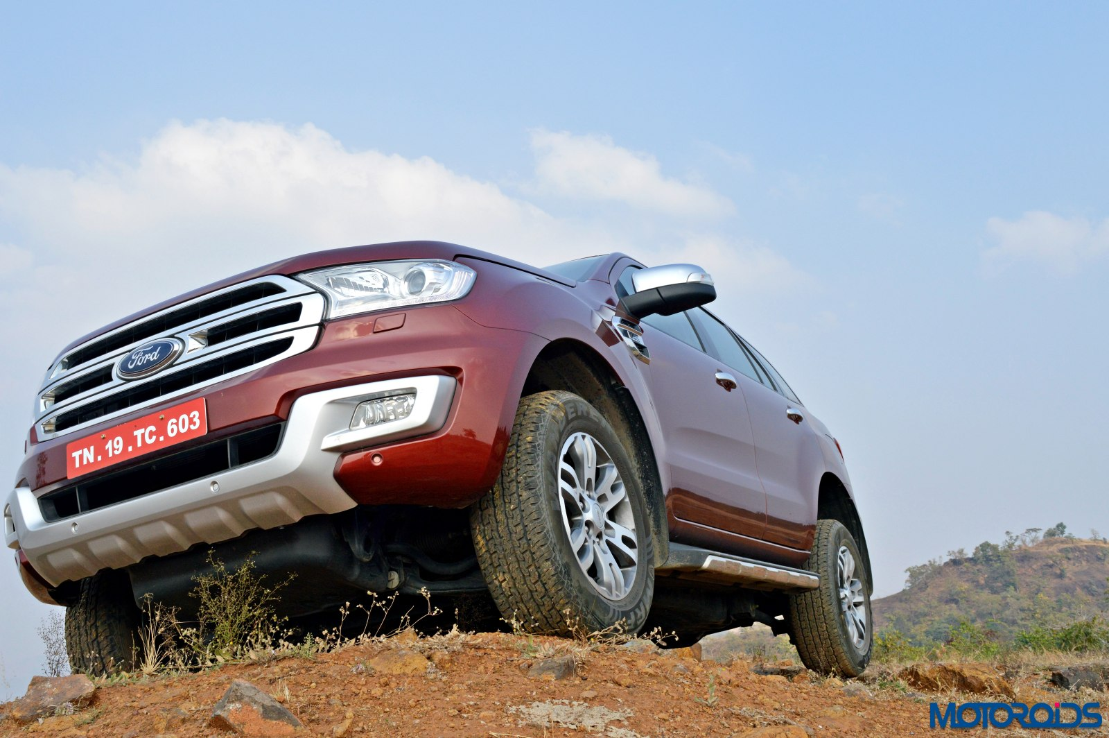 new 2016 Ford Endeavour india review (39)