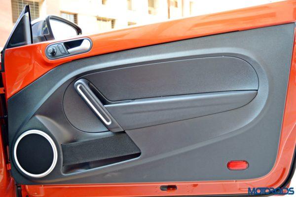 2016 Volkswagen Beetle Door