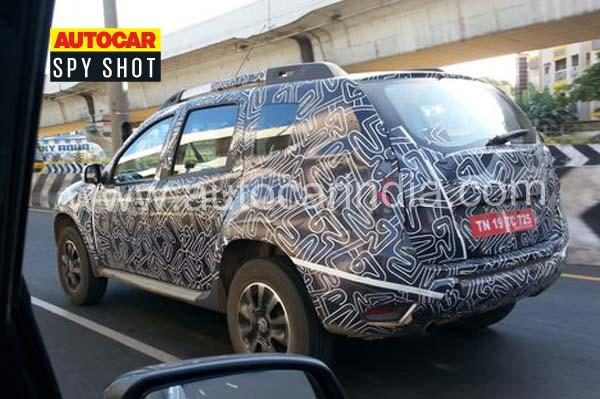 renault duster facelift spied again to debut at auto expo next month motoroids. Black Bedroom Furniture Sets. Home Design Ideas