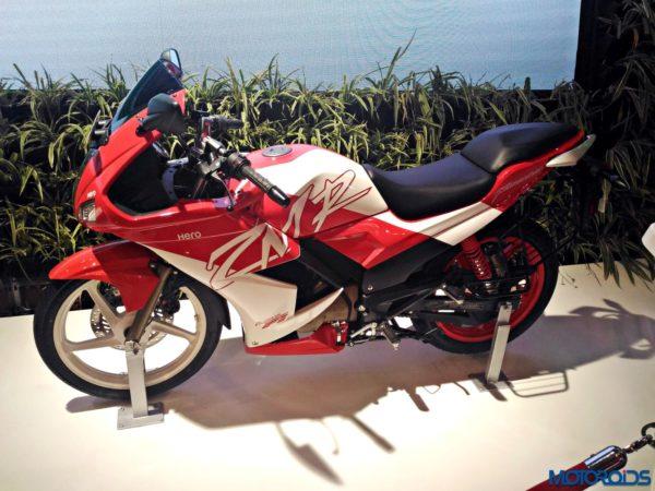 2016 Hero Karizma ZMR – Auto Expo 2016 (3)