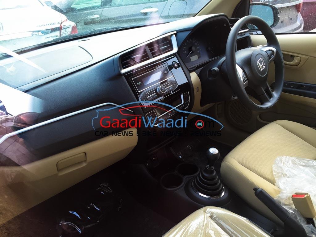 2016 Honda Amaze facelift interiors