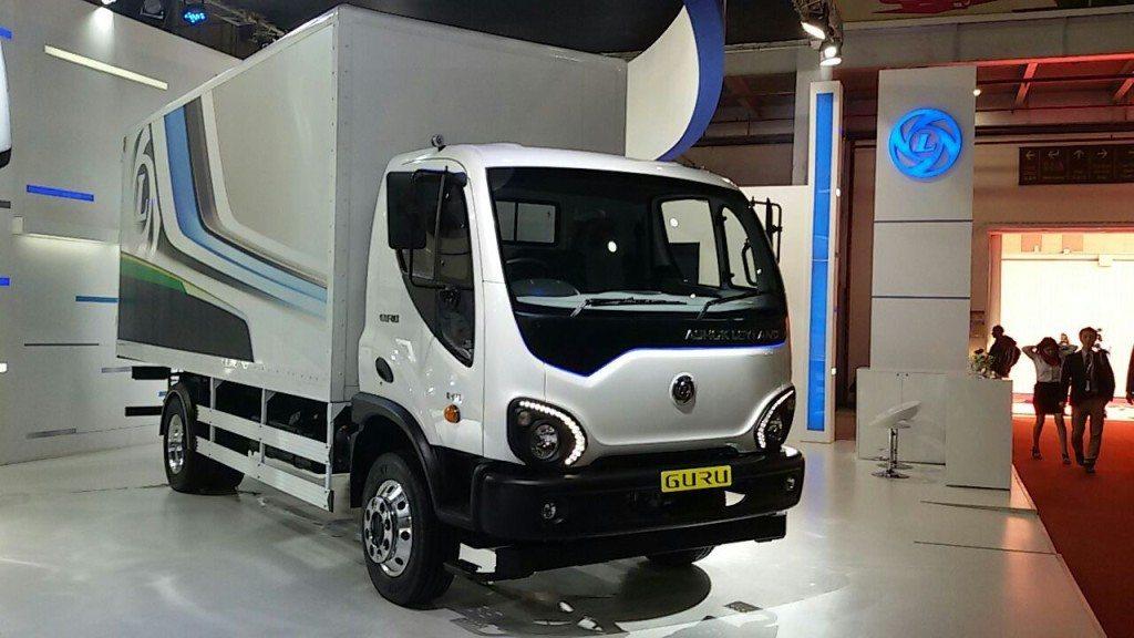 Auto Expo 2016 Ashok Leyland Unveils Four New Products