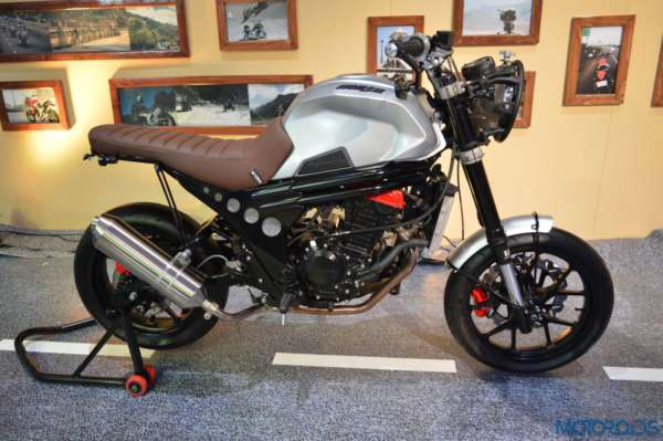Auto Expo 2016 Mahindra Mojo Scrambler and Adventure Concept (22)
