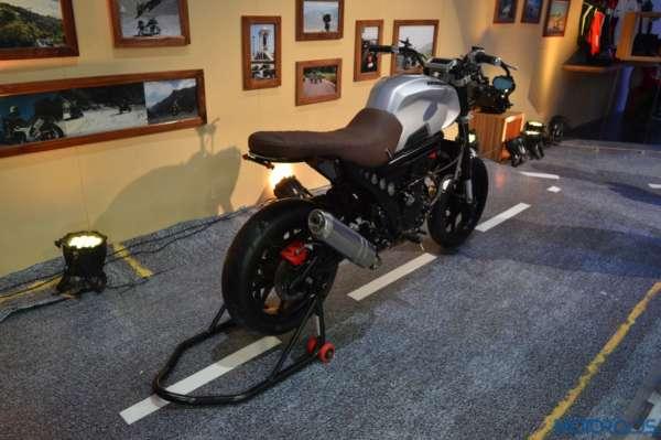 Auto Expo 2016 Mahindra Mojo Scrambler and Adventure Concept (24)