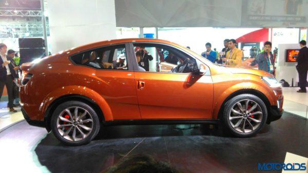 Auto Expo 2016 Mahindra XUV Aero (2)