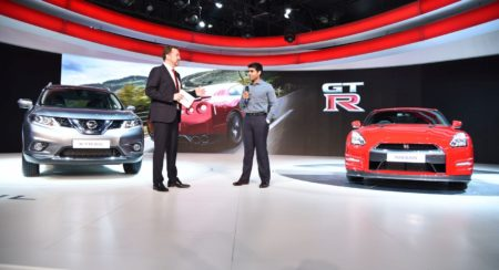 Auto Expo 2016 Nissan GT-R and X-Trail Hybrid