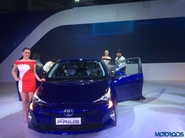 Auto Expo 2016 Toyota Prius (3)