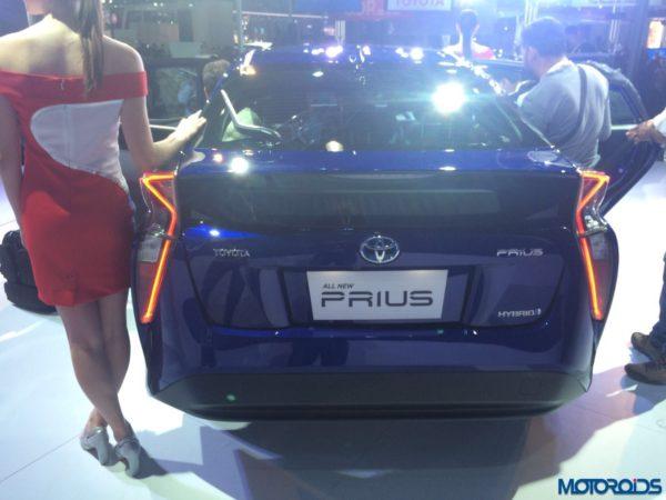 Auto Expo 2016 Toyota Prius (4)