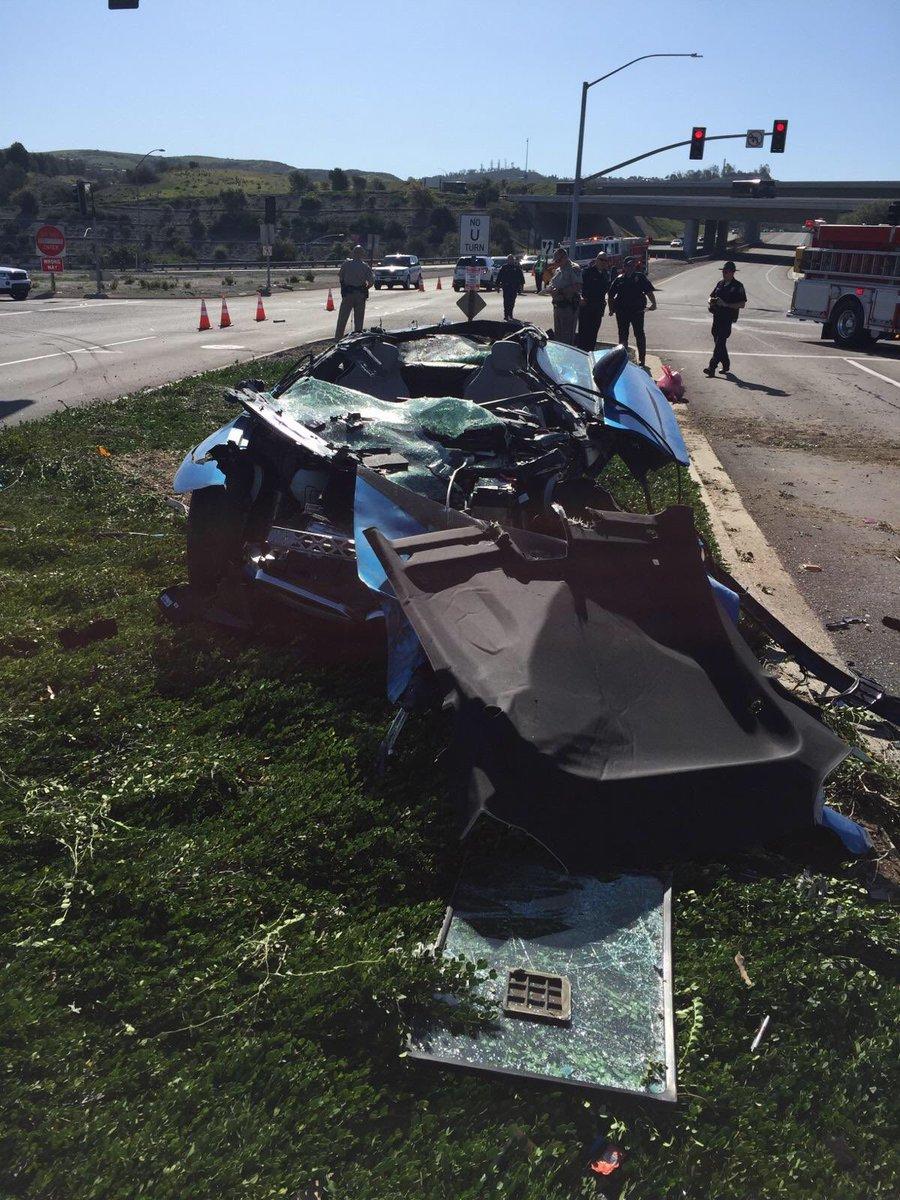 BMW i8 crash california 2