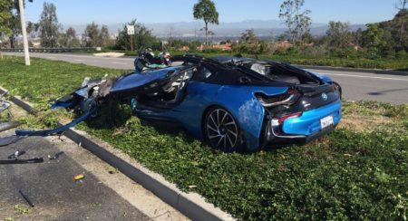BMW i8 crash california