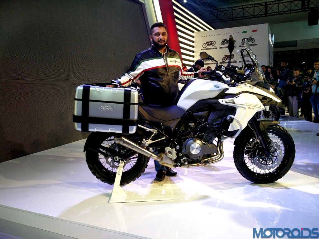 Auto Expo 2016 Dsk Benelli Showcases Tnt Naked T 135 Bx 250 Tornado 302 And The Trk 502 on benelli 250 four