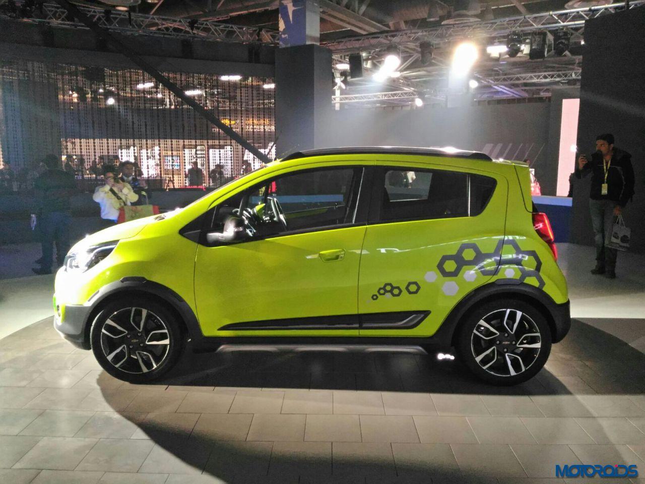 Auto Expo 2016 Chevrolet Unveils Beat Activ And Essentia Sedan Motoroids