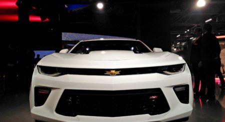 Chevrolet Camarao SS Auto Expo 2016 front (7)