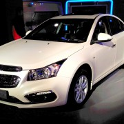 Chevrolet Cruze 2016 Auto Expo 4 180x180 Auto Expo 2016 : New Chevrolet Cruze showcased along with its accessorised version