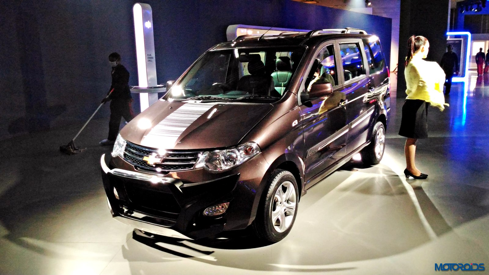 Chevrolet Enjoy Special Edition Auto Expo (2)