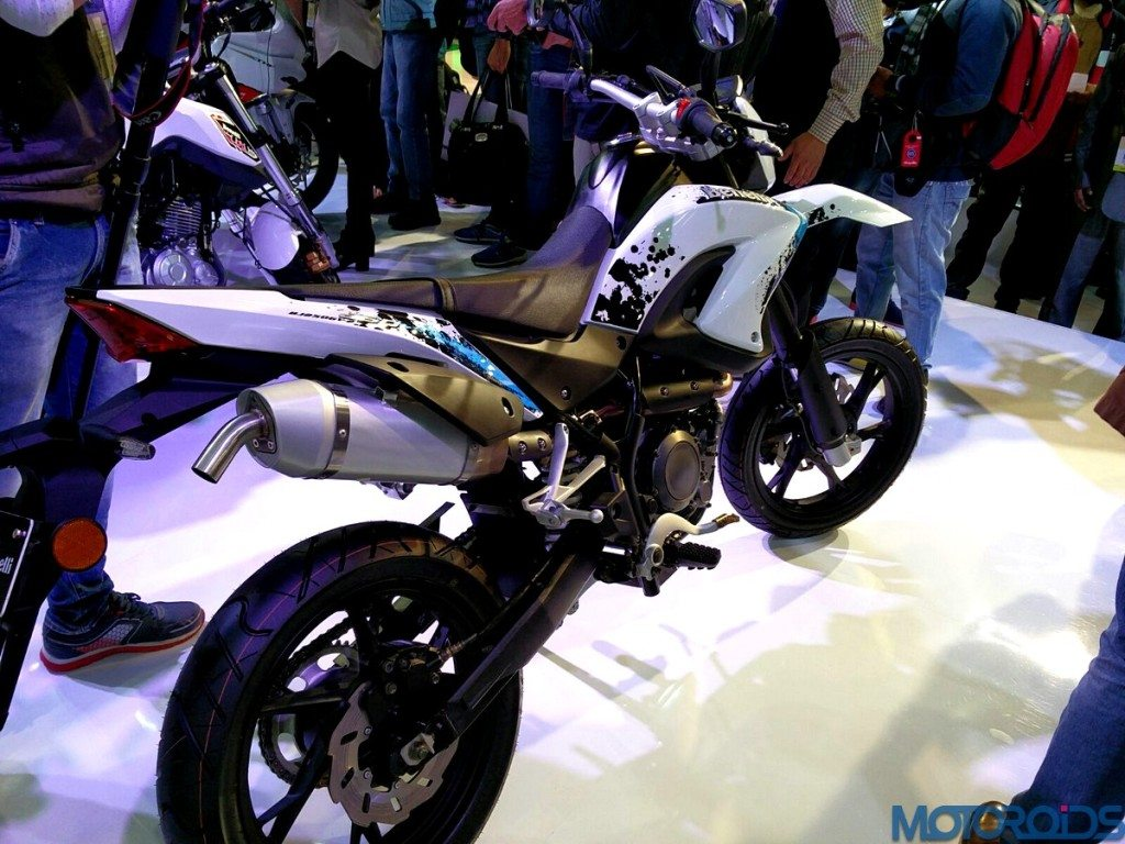 Auto Expo 2016: DSK Benelli Showcases TNT Naked T-135, BX