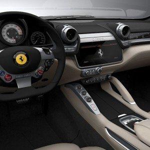 Ferrari GTC4Lusso (5)