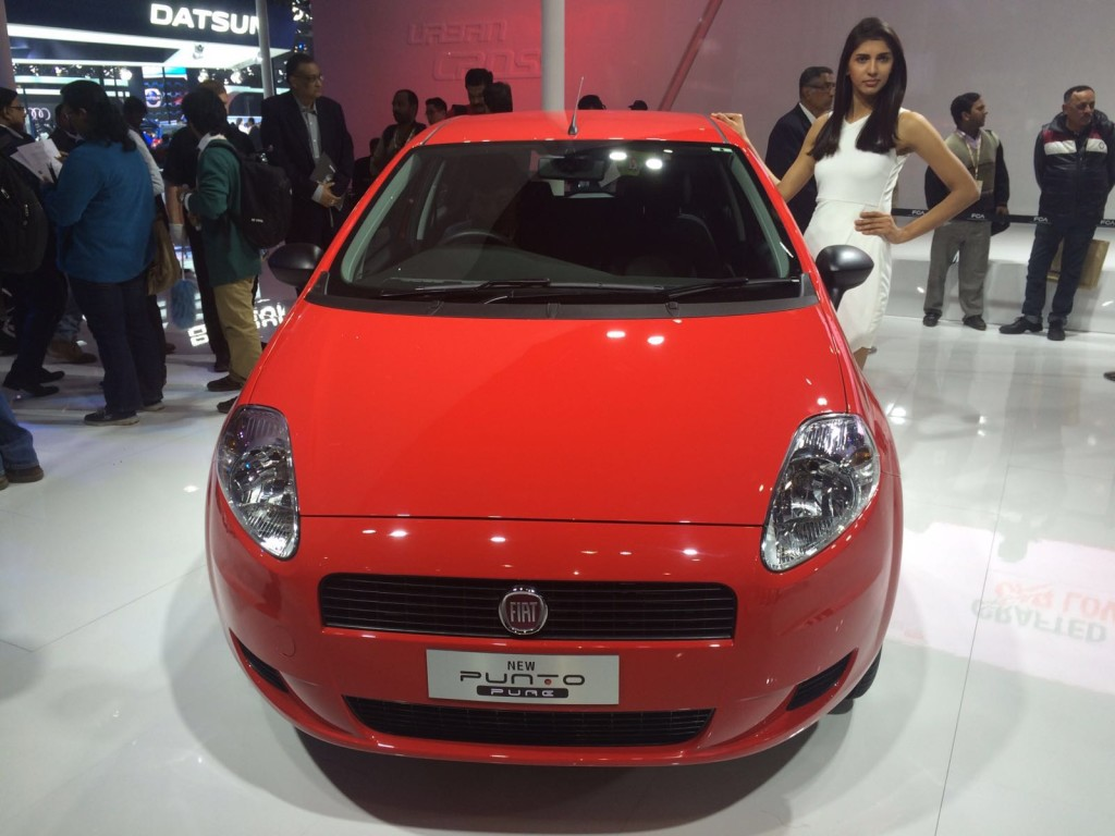 auto expo 2016 fiat punto pure launched starts at inr lakh motoroids. Black Bedroom Furniture Sets. Home Design Ideas