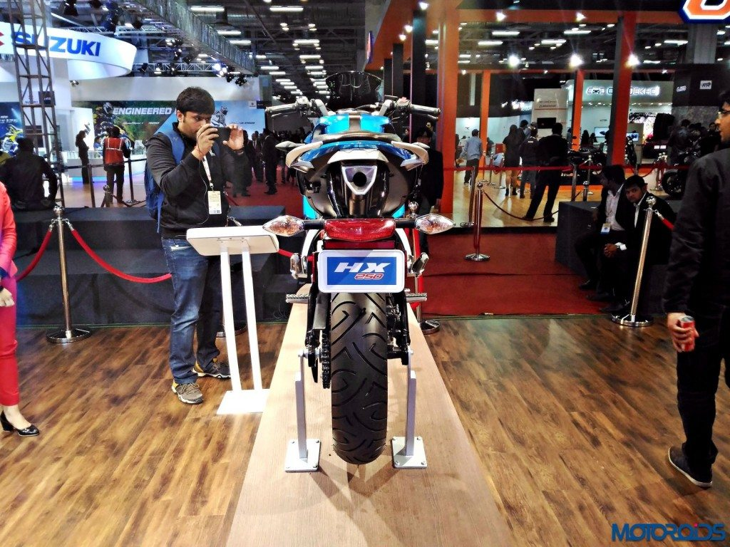 Hero-HX25-Auto-Expo-2016-13