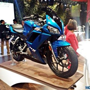 Auto Expo 2016: Hero MotoCorp HX250 revealed in production trim, drops the R [Gallery Updated]