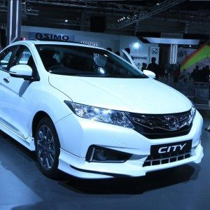 Honda City Body kit Auto Expo 2016 1 300x300 2016 Auto Expo : Honda City with body kits, and a few other upgrades strikes a pose