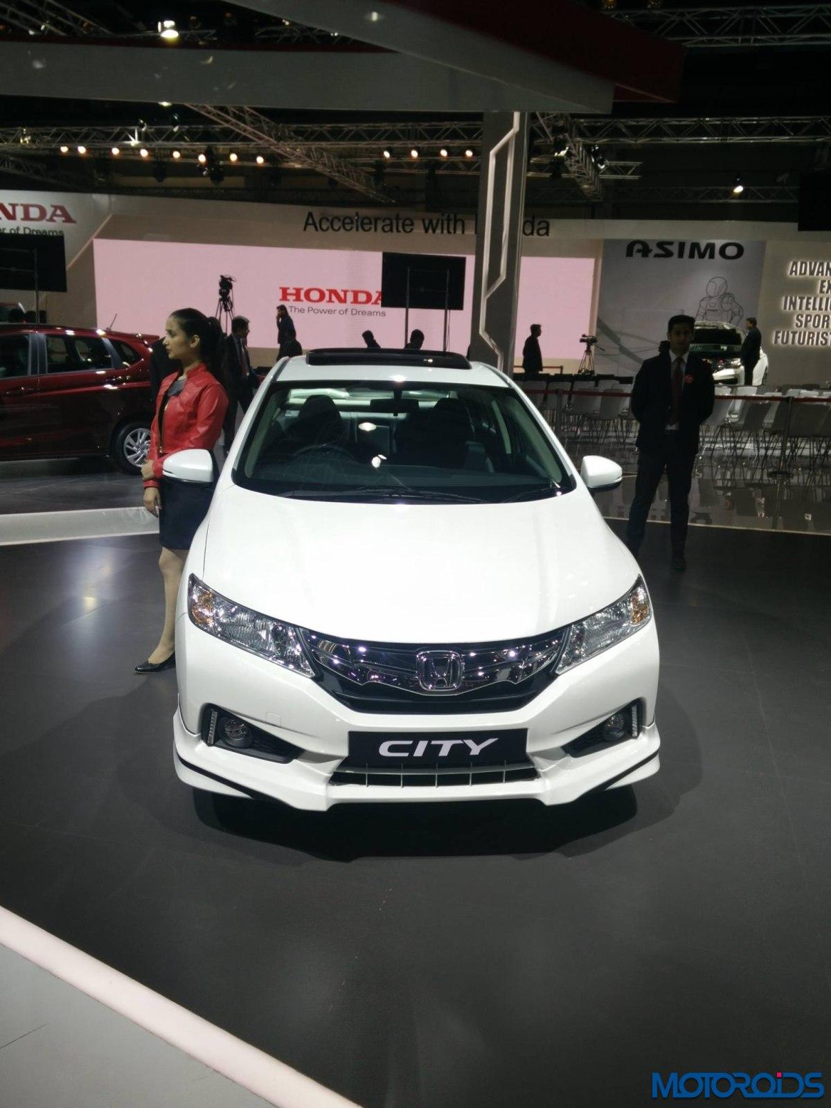 Honda City Body kit Auto Expo 2016 (4)