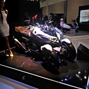 Auto Expo 2016: Honda Neowing concept trike visits India