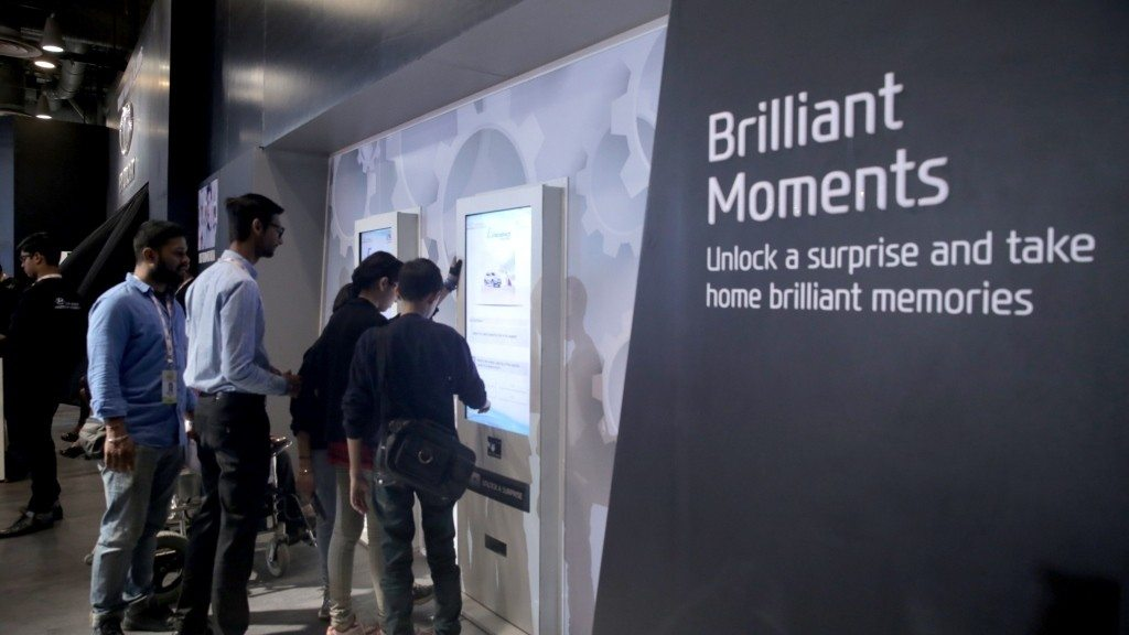 Hyundai Auto Expo 2016 Unlock a Surprise' Machine