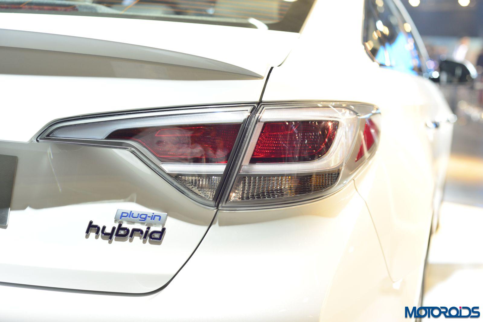 Hyundai Sonata Hybrid (20)