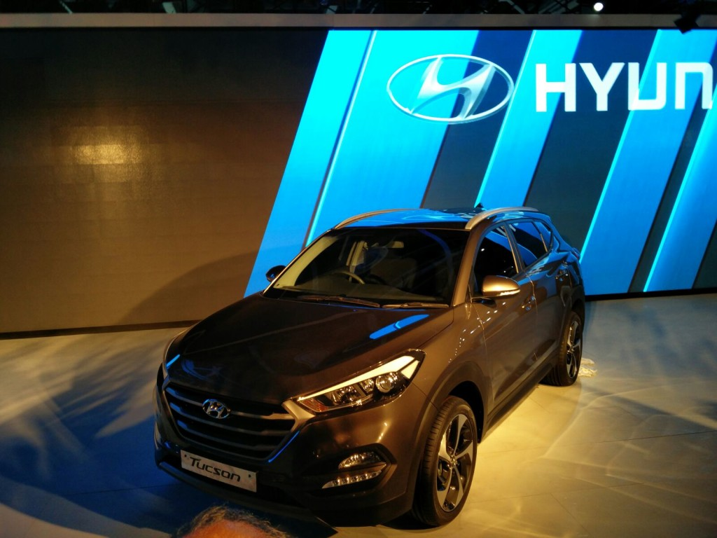 updated gallery auto expo 2016 hyundai unveils all new tucson showcases sub 4 meter suv. Black Bedroom Furniture Sets. Home Design Ideas