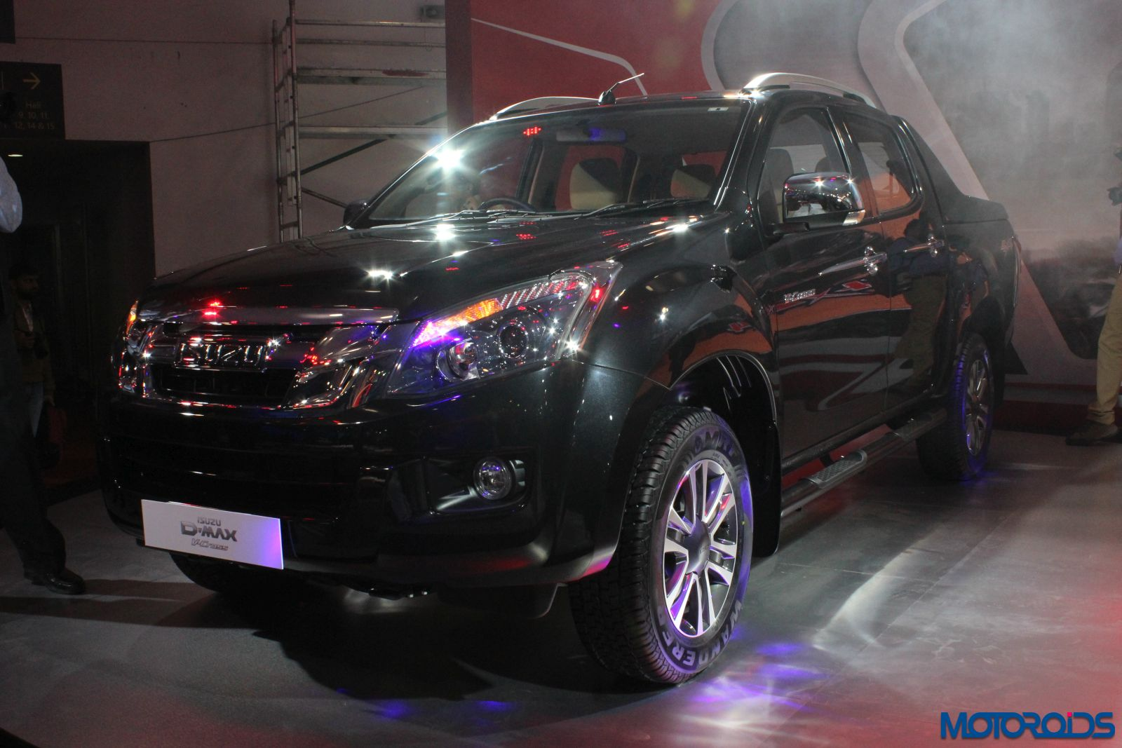 Isuzu D Max V Cross (7)
