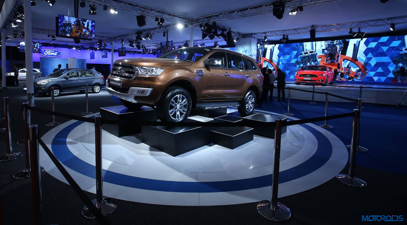 New Ford Endeavour auto Expo 2016 (4)