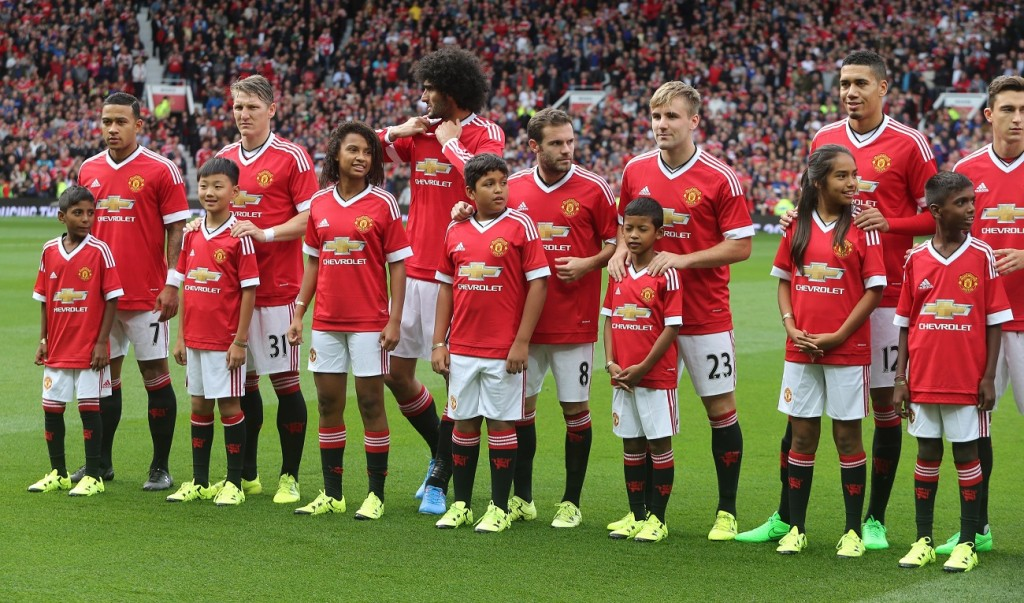 Sonu and Sharik, two kids from India, who walked the pitch with Manchester United Heroes last year_F